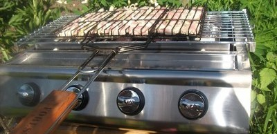 Preparing the grill for operation